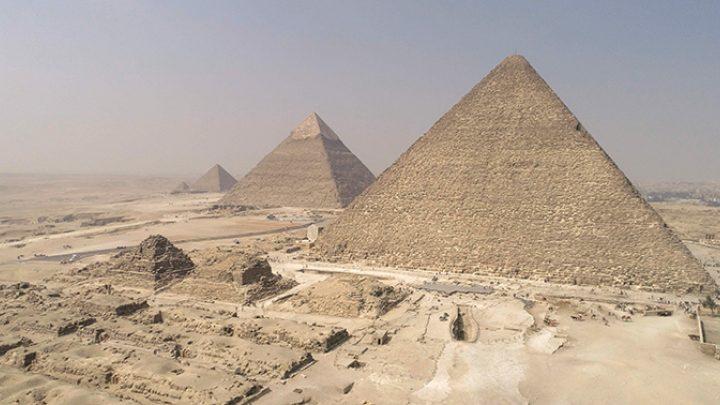 Pyramides: les mystères révélés